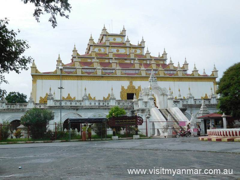 Atumashi-Monastery-Mandalay-Visit-Myanmar (2)