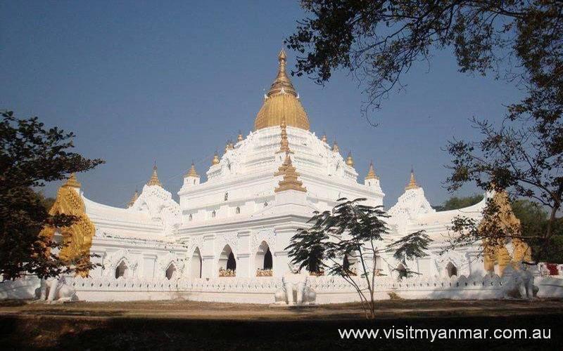 Kyauktawgyi-Pagoda-Amarapura-Mandalay-Visit-Myanmar