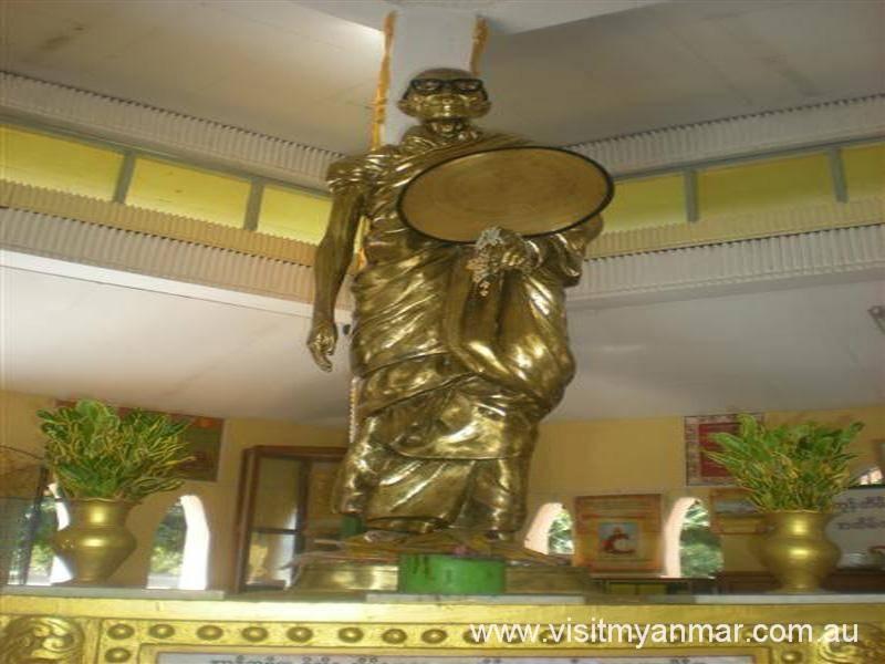 Mingun-Sayadaw-Pagoda-Mandalay-Visit-Myanmer (2)