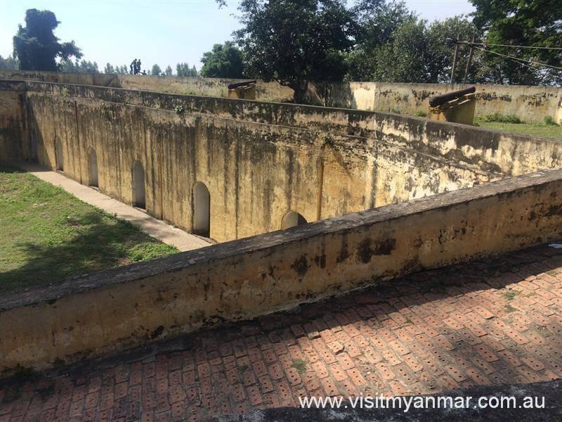 Thapyaytan-Fortress-Inwa-Visit-Myanmar (2)